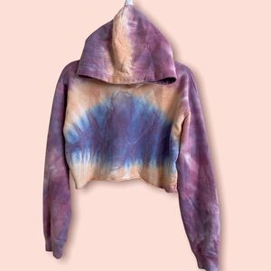 Aritzia TNA cropped tie dye hoodie